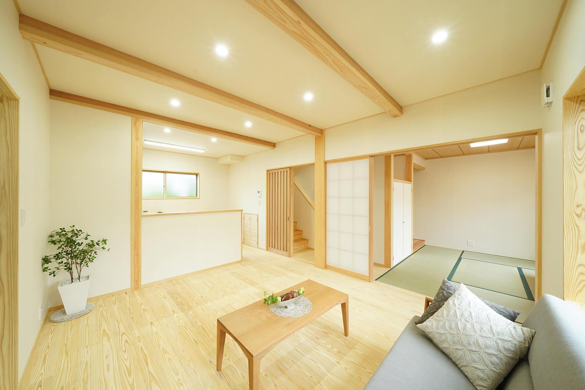 優しく美しい無垢の木と自然素材でつくる家